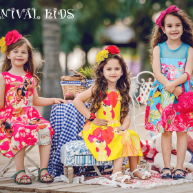 Picture: Our little models are certain for their choice! Summer proposals down to -70% at Carnival Kids!